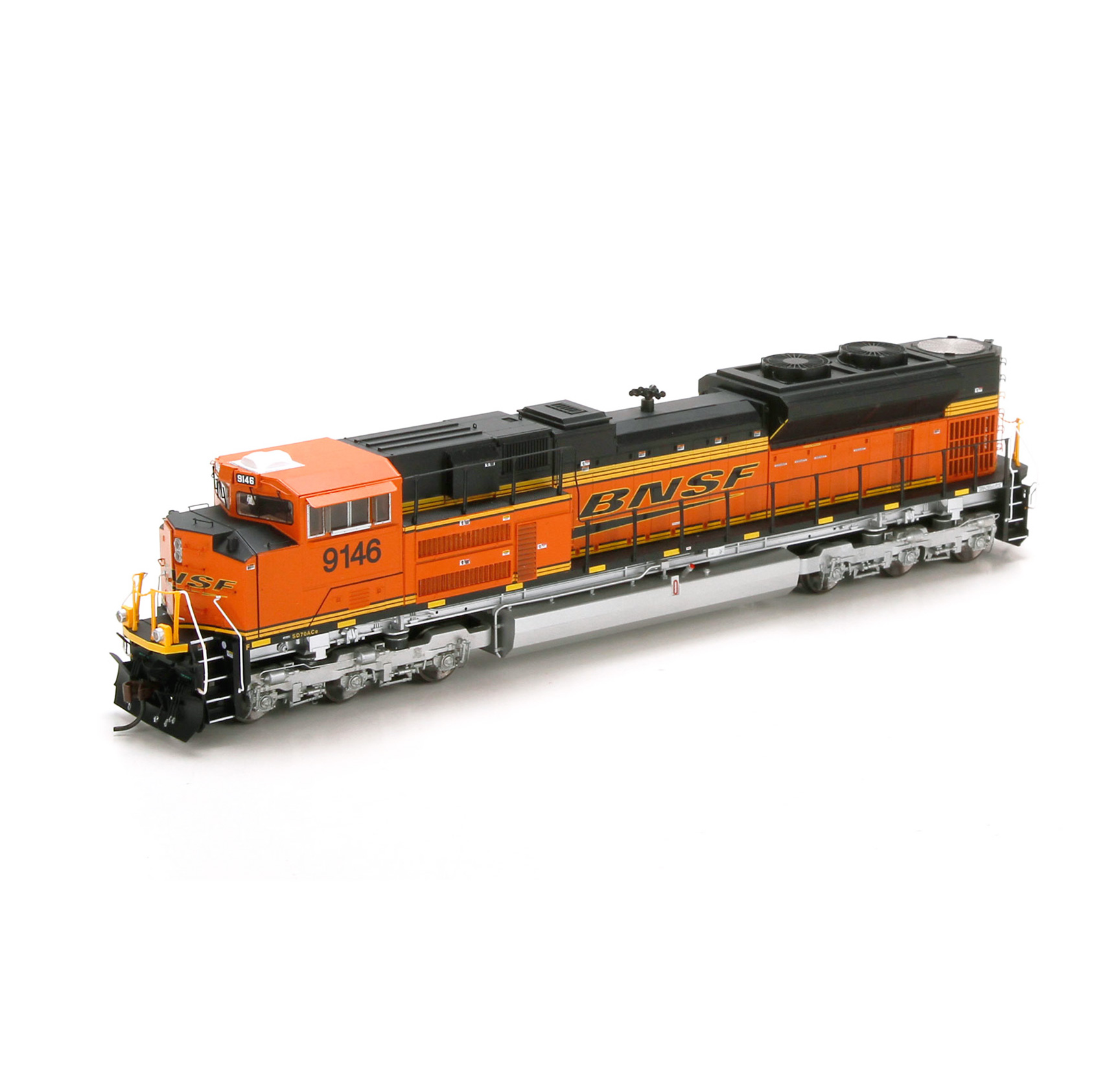 Athgen sd70ace bnsf 9146 on o scale train cars
