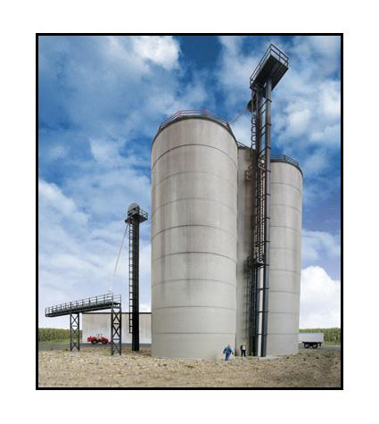 933-2975_walthers_cornerstone_corn_strg_silos_elvtr
